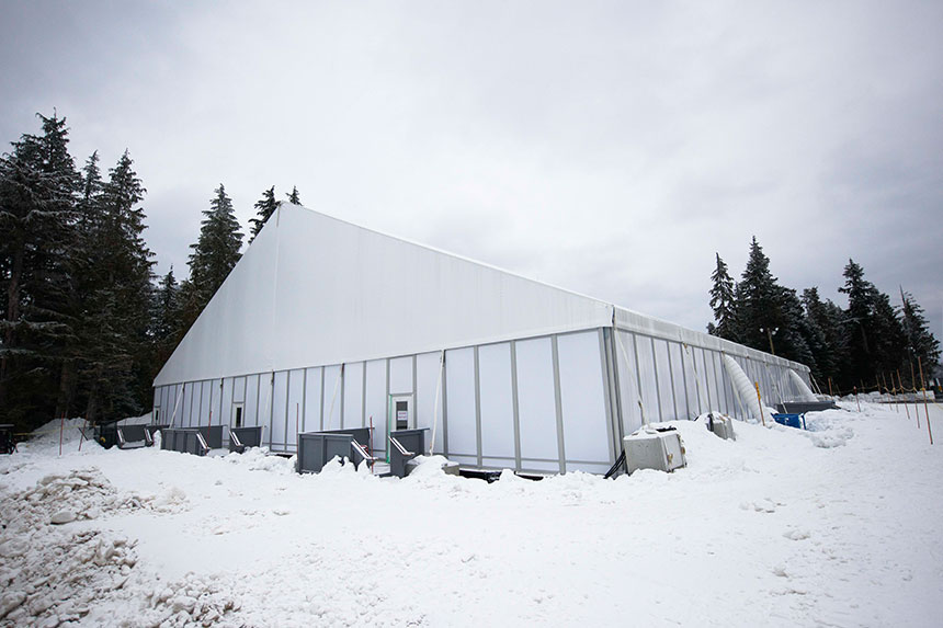 Snow load clearspan tent structures arena americas for Snow load roof pitch